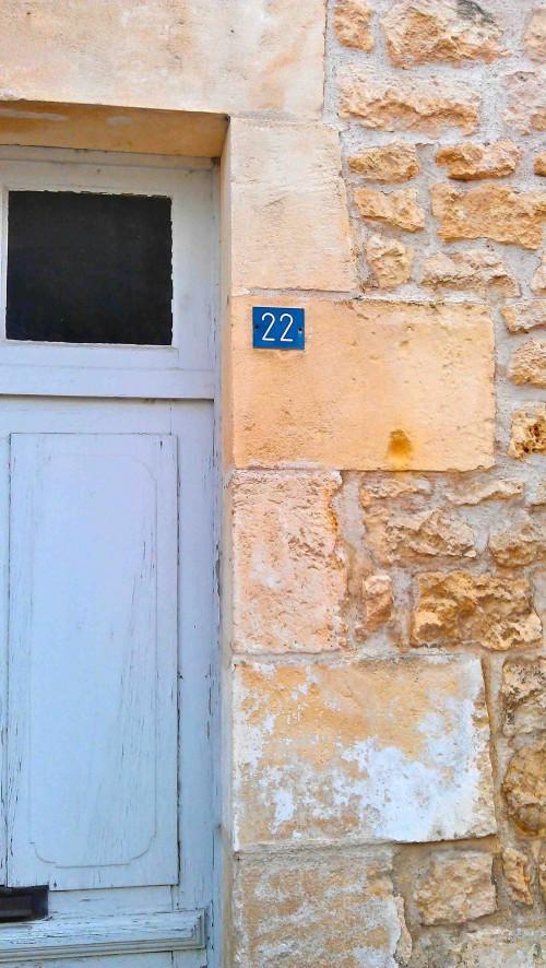 No 22, Champagnolles